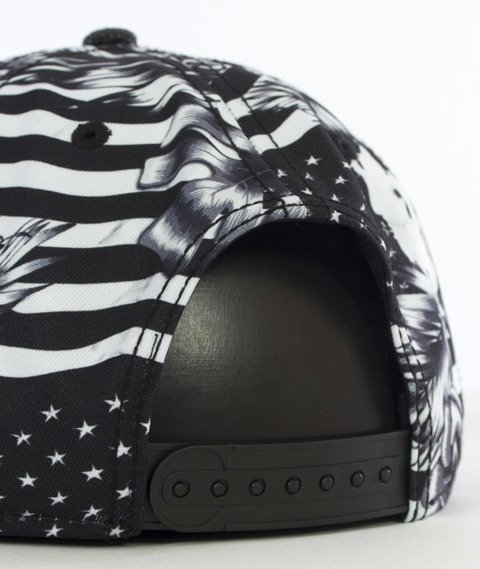 Cayler & Sons-GLD Flagged Cap Snapback Black/White