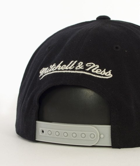 Mitchell & Ness-Sadny Off White San Antonio Spurs Snapback VV16Z Czarny/Szary