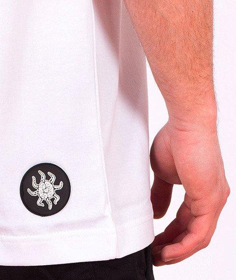Brain Dead Familia-Occult Academy T-shirt Biały/Fire