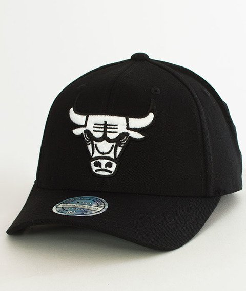 Mitchell & Ness-Black & White 110 SB Chicago Bulls Snapback EU1033