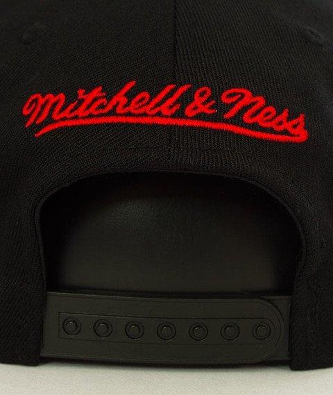 Mitchell & Ness-Chicago Bulls INTL149 Courtside 2 110 SB Czapka INTL149