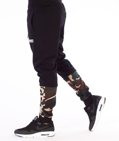 Patriotic-Futura Spodnie Dresowe Czarne/Woodland Camo